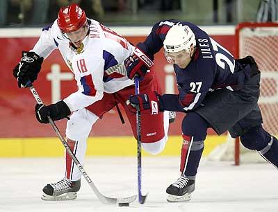 Evgeni Malkin displaying skills in Russia agaisnt USA